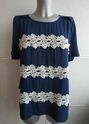 Очень красивая блуза, топ oasis с коротким рукавов и красивым кружевом.