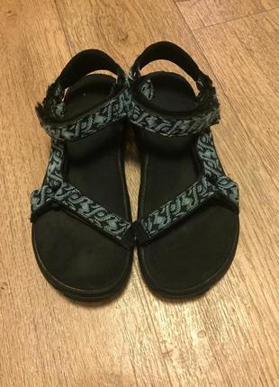 Суперские сандали teva