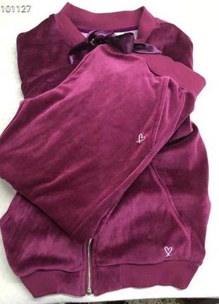 Очень красивый велюровый костюм victoria's secret  размер s
