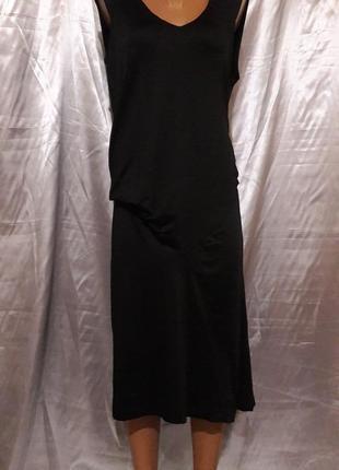 Необычная модель черненького платья