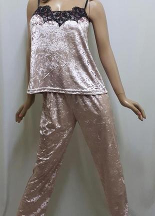 Пижама велюровая с брюками