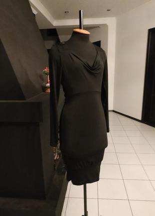 Чёрное платье с кружевной спинкой италия мокрый трикотаж