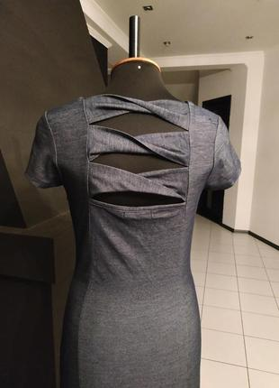 Платье под джинс с красивой спинкой и кружевом