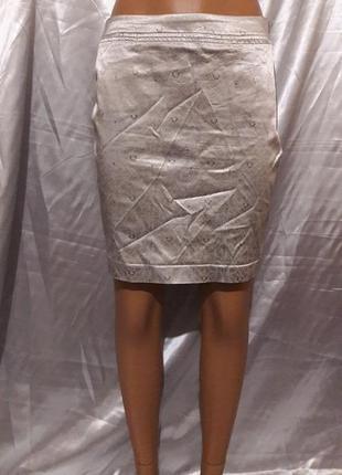 Серебристая мини юбка