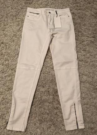 Светлые джинсы calvin klein