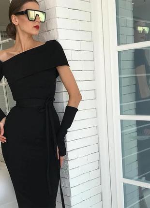 Шикарное вечернее платье футляр миди черное облегающее на одно плечо