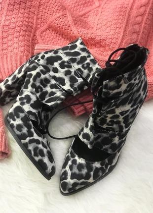 Трендовые леопардовые ботильоны/ботинки на шнуровке bianko на