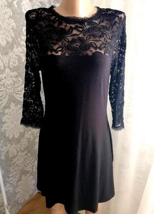 Платье чёрное с кружевом