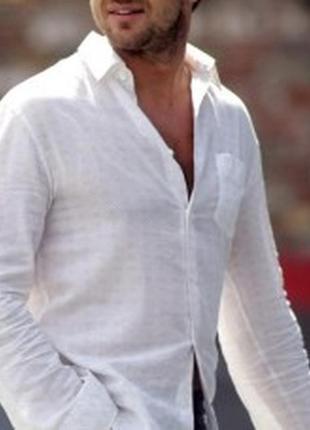 Белоснежная тонкая рубашка  обхват груди 134см.