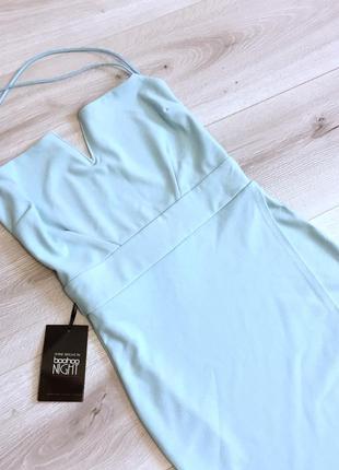 Нарядное платье, новое,с открытой спиной и крест на крест