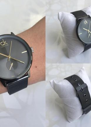 Женские наручные модные металлические часы черные