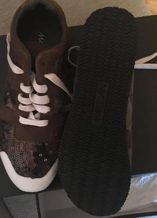 Новые кроссовки marc cain
