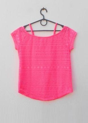 Летняя яркая неоновая розовая кружевная блузка
