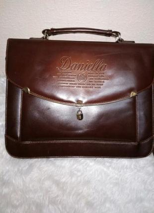 Кожанная сумочка винтажном стиле