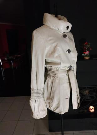 Кожаный молочный пиджак куртка под пояс имитация кружева натуральная кожа