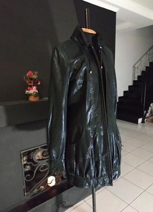 Плащ куртка камзол из блестящей кожи с аппликациями италия натуральная кожа4