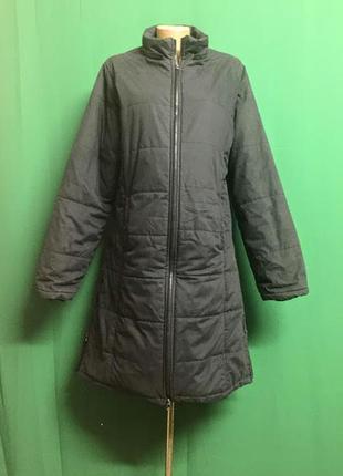 Демисезонное пальто с молниями по бокам
