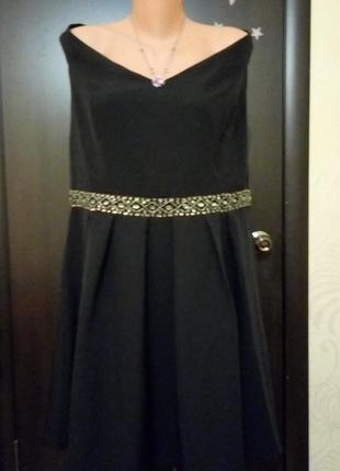 Нарядное платье р. 18