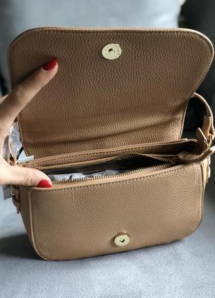 Стильная сумка в бежевом цвете от итальянского бренда roccobarocco (оригинал)4