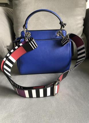 Новая трендовая сумка с широким ремешком от итальянского бренда roccobarocco (оригинал)4 фото