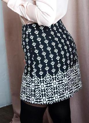 Катоновая юбка черная в белый принт купоном , xxl .