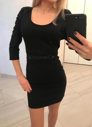 Черное платье с вышивкой бусинами от pierre balmain. оригинал.