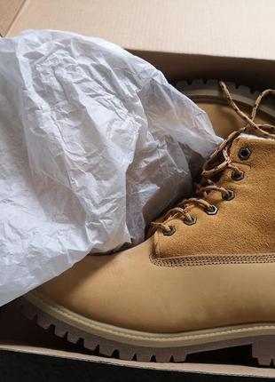 Шкіряні брендові черевики