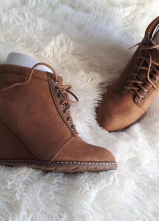 Нереально крутые утепленые ботинки pull&bear
