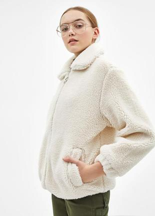 Теплая меховая курточка bershka l