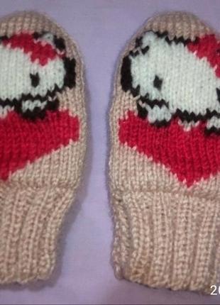 Замечательные рукавички с китти на девочку 3-4 года