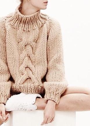 Объёмный вязаный свитер с косой оверсайз