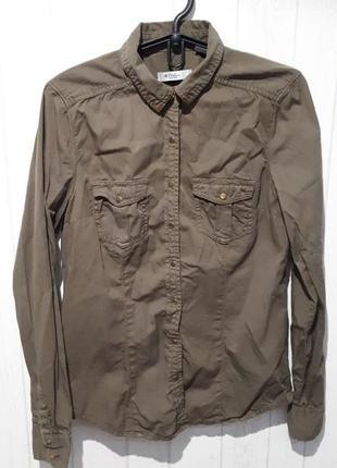 Стильная рубашка цвета хаки