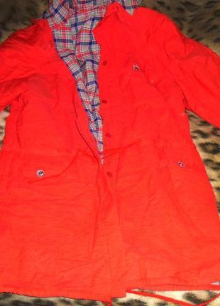 Красная, женская, удлиненная куртка, пальто, парка на пуговицах с капюшоном