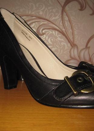 Туфельки женские, кожаные. размер 36. sacha. состояние нового!!!