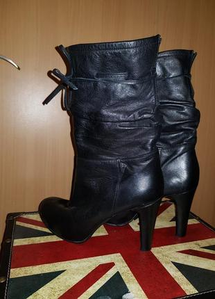 Кожаные элегантные сапоги с декоративным шнурочком italia италия