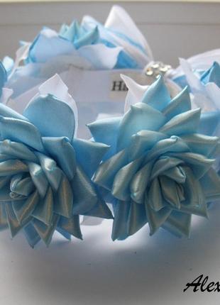 Резинка на пучок гульку с голубыми розами