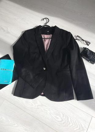Пиджак класика на пуговицу h&m черный жакет