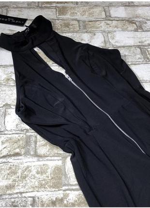 Нереальный комбинезон с чокером, свободные брюки с разрезами, молния спереди3 фото