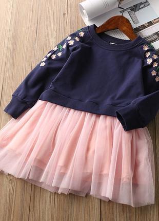 Стильное нарядное платье с вышивкой