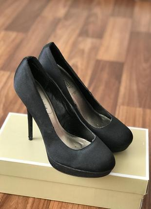 Атласные туфли на высокой шпильке new look