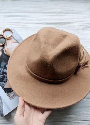 Бежевая фетровая шерстяная шляпа шляпка капелюх с ровными полями1