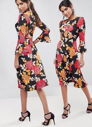 Платье миди с цветочным принтом и расклешенными рукавами asos