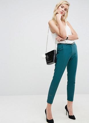Классические узкие брюки-сигареты с ремнем asos