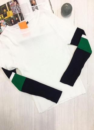 Стильний светр з полосками на рукавах від boohoo