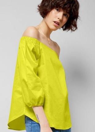 Яркая коттоновая блуза с открытыми плечами new look