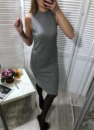 Платье миди , серое платье в рубчик