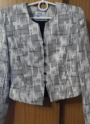 Укороченый  пиджак,  жакет pandv (potis & verso) , нарядный,  польша, 38
