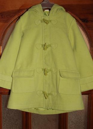 Салатовое демисезонное пальто рост 104-110 см.