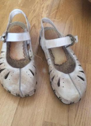 Кожаный босоножки туфли балетки на танкетке закрытые