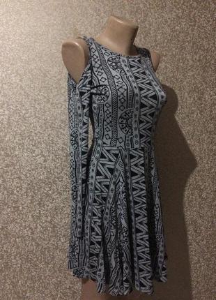Платья с открытыми плечами!